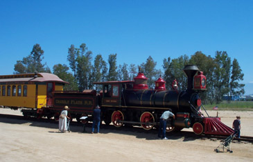 Visitors examine Grizzly Flats Locomotive and Coach (Richard Boehle photo)