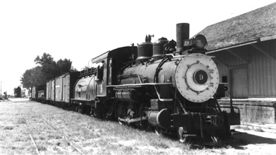 SP Narrow Gauge No. 9 pulls freight train into Laws, CA (Richard Boehle collection)