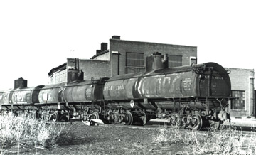 UTLX Tank Car No. 11051 (Richard Boehle Collection)
